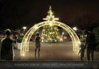 Blíží se rozsvícení vánočních stromů, zpívání koled i ohňostroj