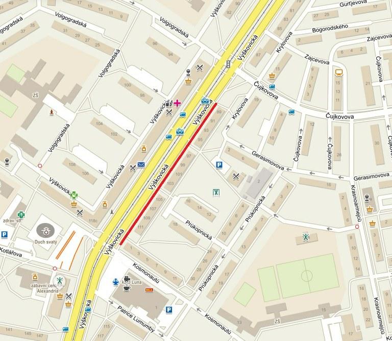 Modernizace tramvajových tratí na Výškovické a Pavlovové je hotova, začíná oprava chodníku