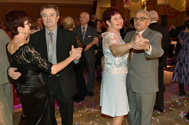 Na Plesu seniorů bylo opět plno a všichni se výborně bavili
