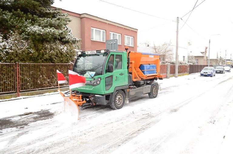 Neúspěšný uchazeč se odvolal, TSOJ musí zaskakovat při odklízení sněhu.