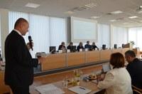 Poslanci a starostové se sjeli, aby diskutovali o ubytovnách a inkluzi