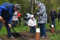 Sady mladých se v dubnu opět rozšíří o další stromy