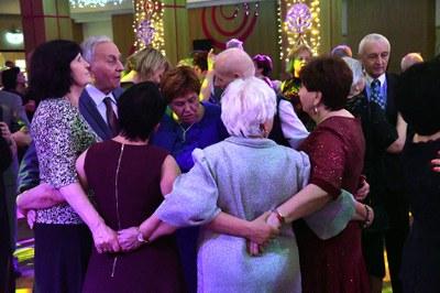 Senioři se na plese v Akordu výborně bavili