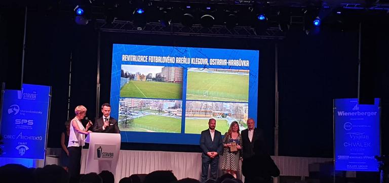 Ocenění Stavba roku MSK získalo také fotbalové hřiště Klegova