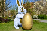 Velikonoční zajíček těší obyvatele i návštěvníky Hrabůvky