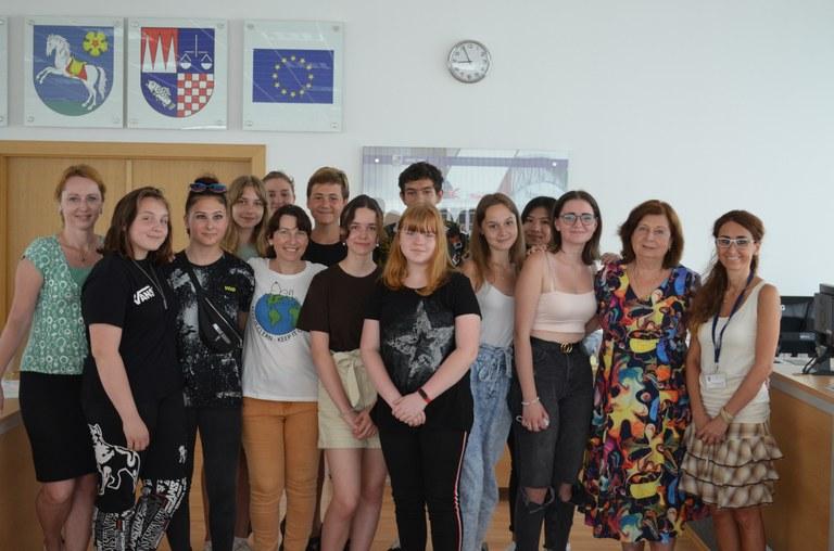 Žáci ze ZŠ V. Košaře odprezentovali na radnici sáčkovou kampaň!
