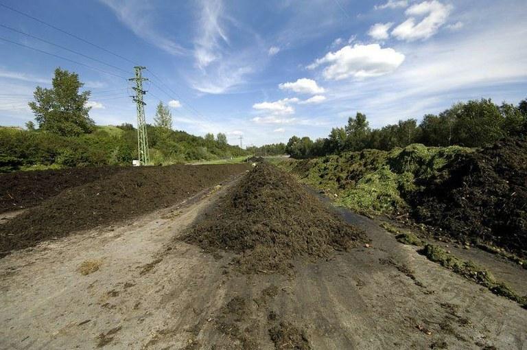 Zeminový substrát i kompost vyrobené na kompostárně OZO Ostrava jsou vyprodány