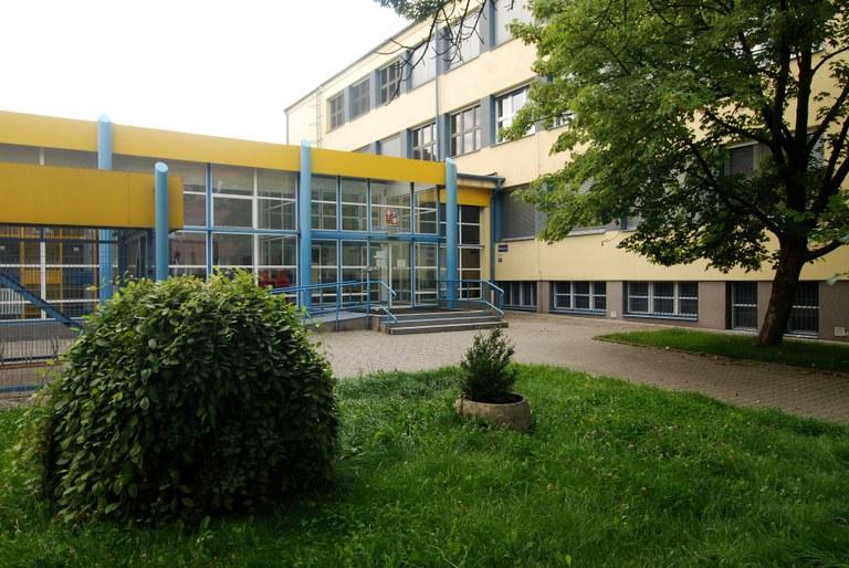 ZŠ Březinova bude pro děti rodičů v první linii fungovat i přes podzimní prázdniny