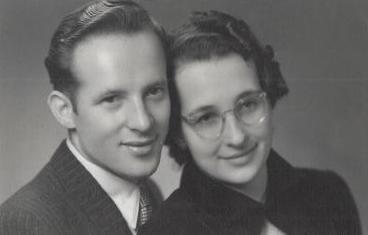 Dodrželi slib, který si dali před 75 lety. Svatba korunovačních klenotů se v Ostravě slaví poprvé