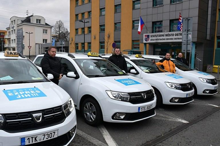 Již čtyři vozy denně slouží klientům Senior expres Ostrava-Jih