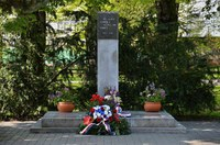 Neděle 29. dubna na Jihu – pietní akty u sedmi památníků, výstava o příslušnících RAF i zastávka vozidel na Bojové cestě
