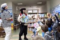 Začal Týden prvňáčků, spojený s pasováním na čtenáře a kamarády knihovny
