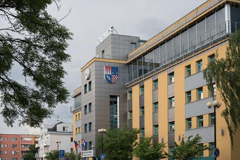 Zastupitelstvo Ostravy-Jihu rozhodlo o výstavbě nových hřišť, ale i o změně kompetencí radních.